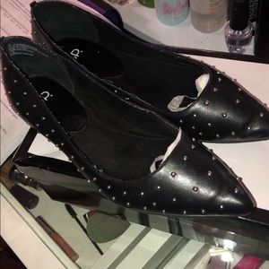 BP pointed flats